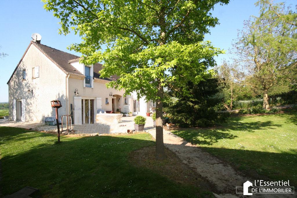 A vendre maison 180 m2 –  CHAPET
