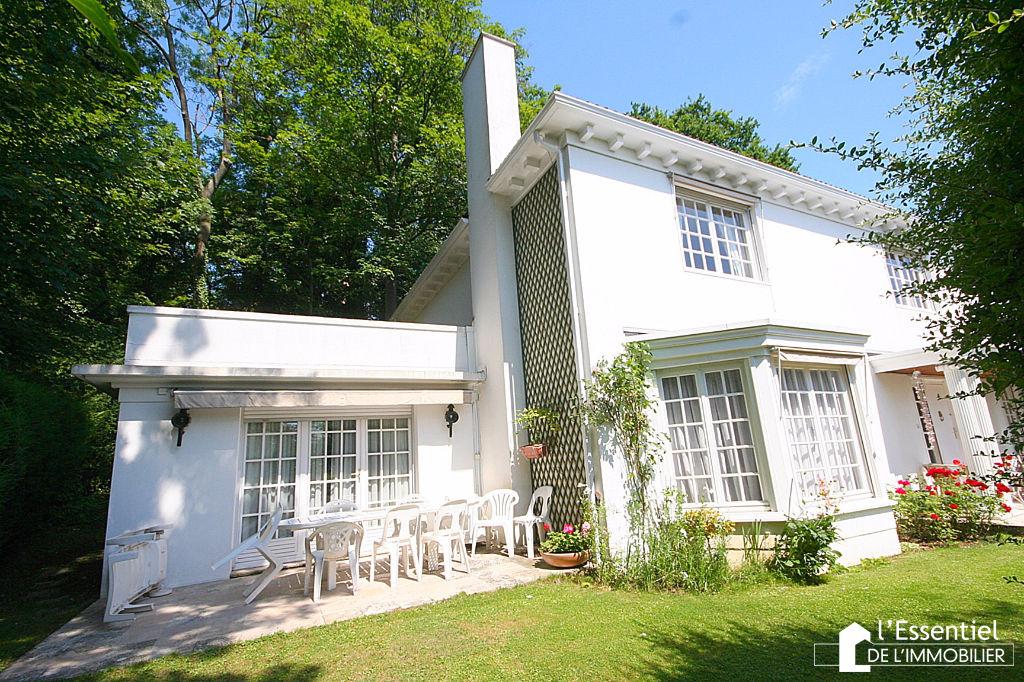 A vendre maison 212 m2 triel sur seine l 39 essentiel de for Immobilier chambre sans fenetre