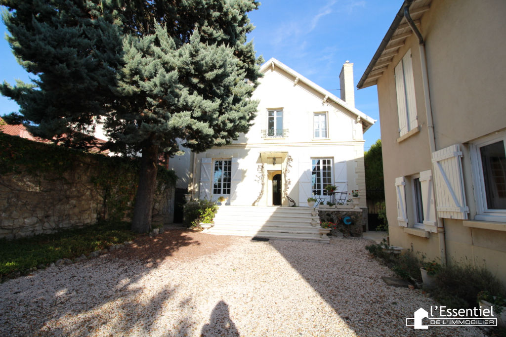 A vendre maison 207 m2 –  VERNOUILLET