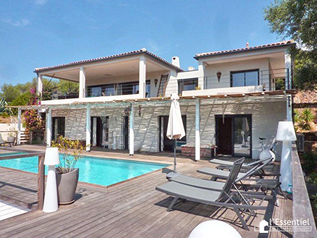 A vendre maison 235 m2 –  CARGESE